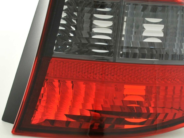 Verschleißteile Rückleuchte rechts BMW 1er Typ E87 Bj. 04-07 grau/rot