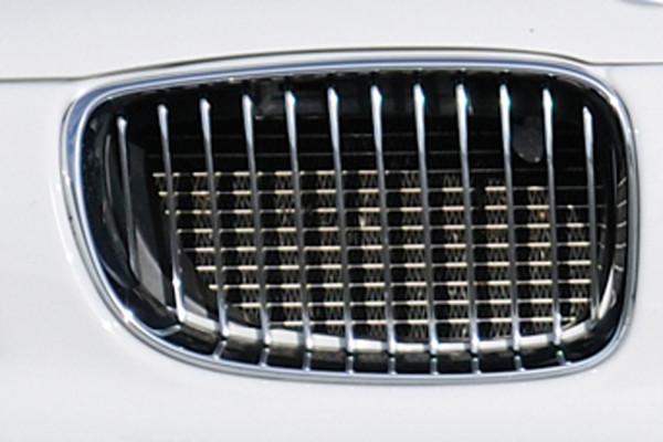 Facelift BMW-Niere rechts, Chrom/schwarz vom 135i für BMW 1er E87 (187 / 1K2/1K4) 4-tür. 09.04-08.1